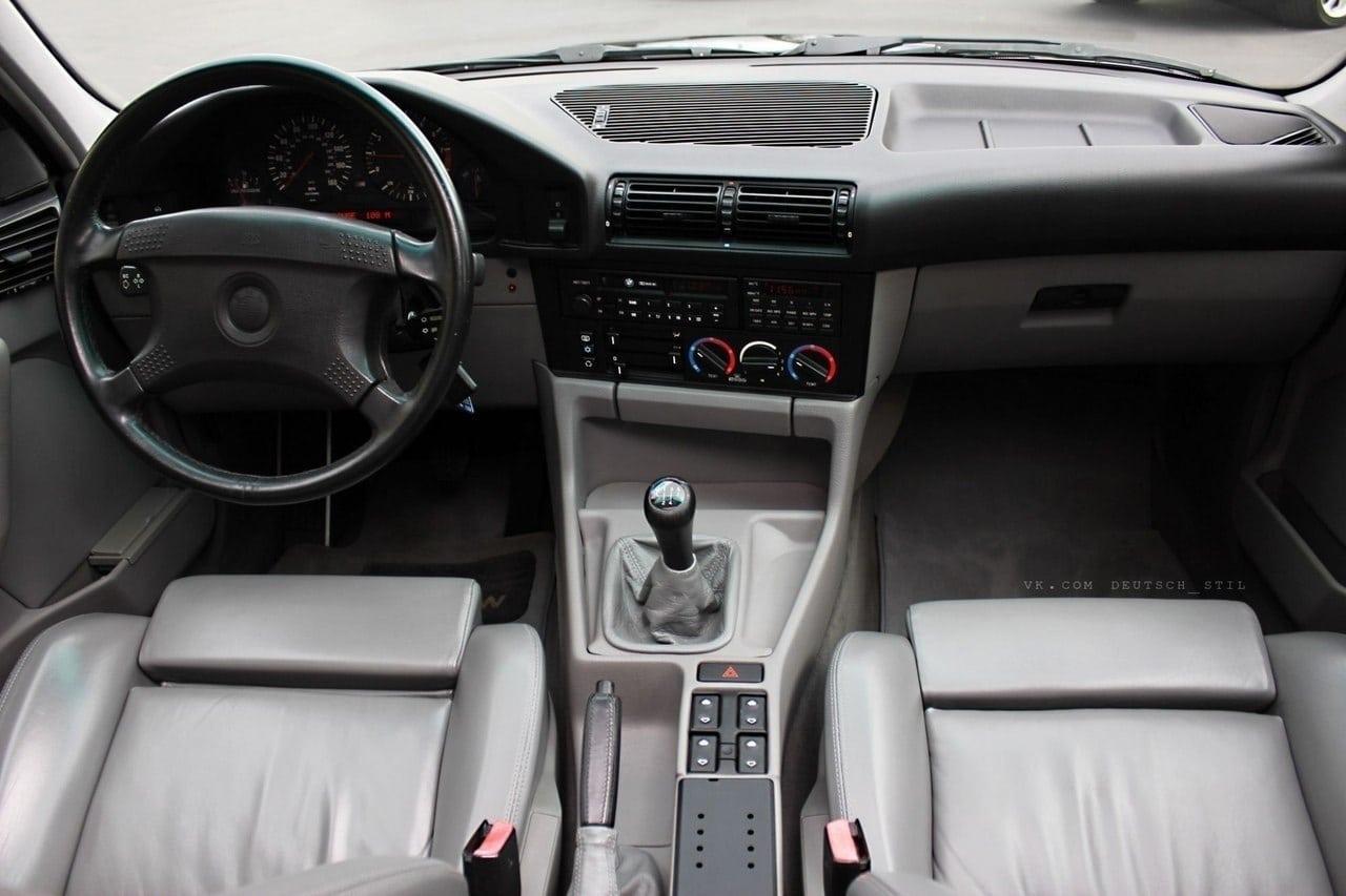 Шикарная BMW M5 в кузове E34