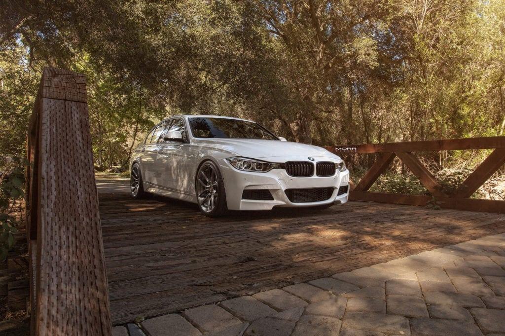 Alpine-White-BMW-F30-3-Series-Gets-Aftermarket-MORR-Wheels-1