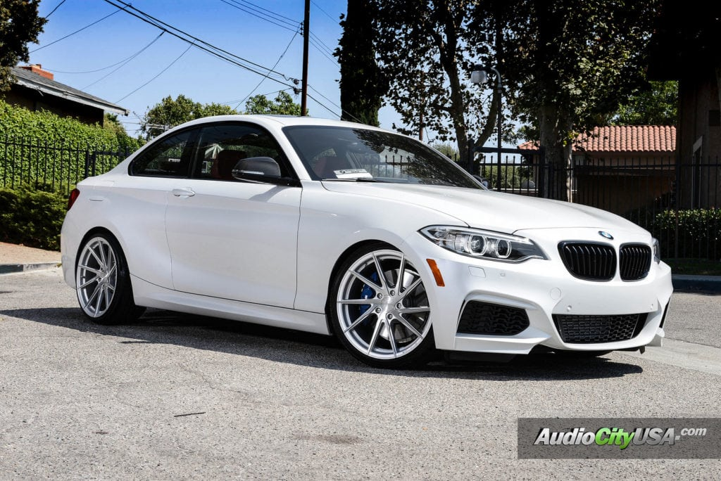 Alpine White BMW M235i
