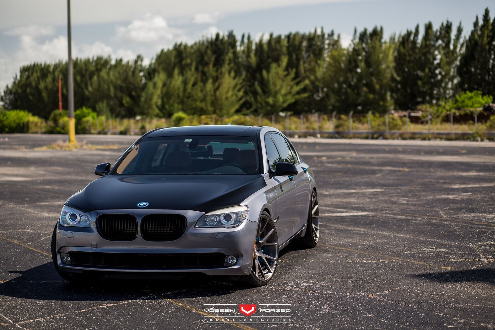 previous gen bmw 7 series gets updated with vossen wheels. Black Bedroom Furniture Sets. Home Design Ideas