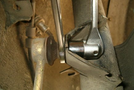BMW 5 E34 Front Stabilizer Bar Link Replacement