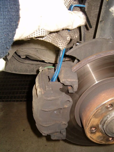A very small crowbar or similar can be useful when loosening the brake caliper to be able to pull it right out away from the wheel hub.