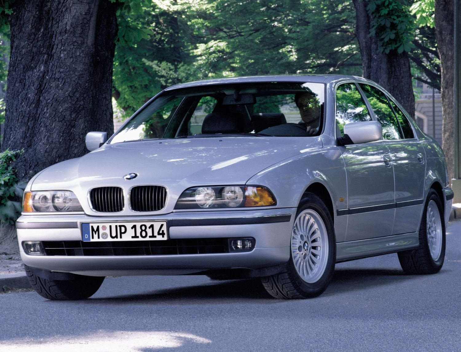 Bmw 528i E39 1995 2000 Specs Speed Power Carbon Dioxide Emissions Fuel Economy And Performance