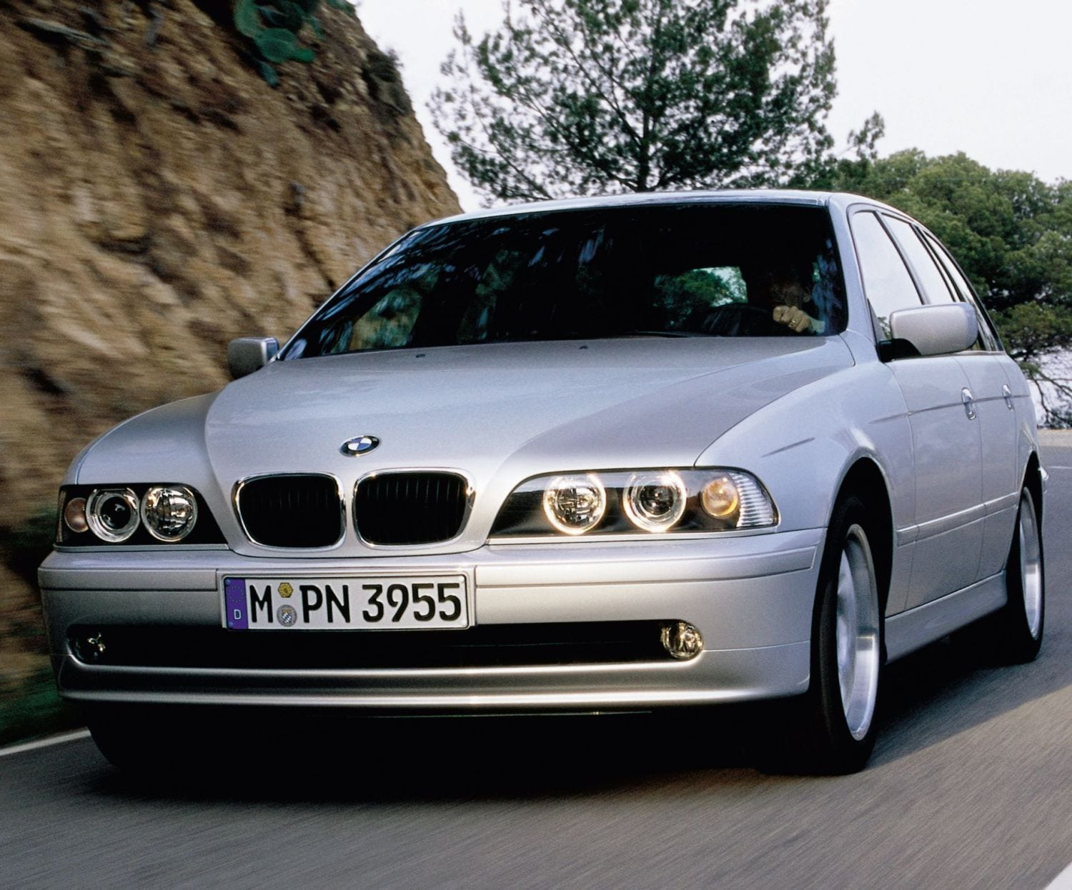 Bmw 530i Touring E39 2000 2004 Specs Speed Power Carbon Dioxide Emissions Fuel Economy And Performance