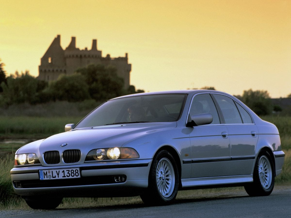 Should you buy the E39 BMW 540i over the E39 M5